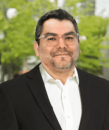 Robert Ortiz temp headshot long suit